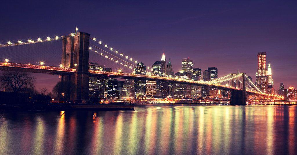 Pohlad na Brooklyn Bridge v meste New York