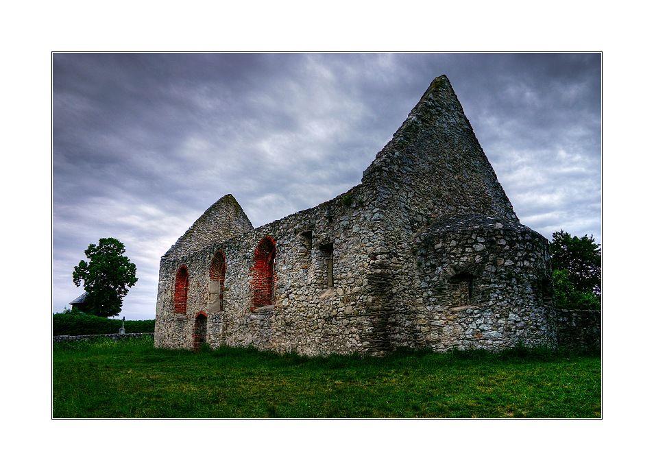 romansky kostol haluzice