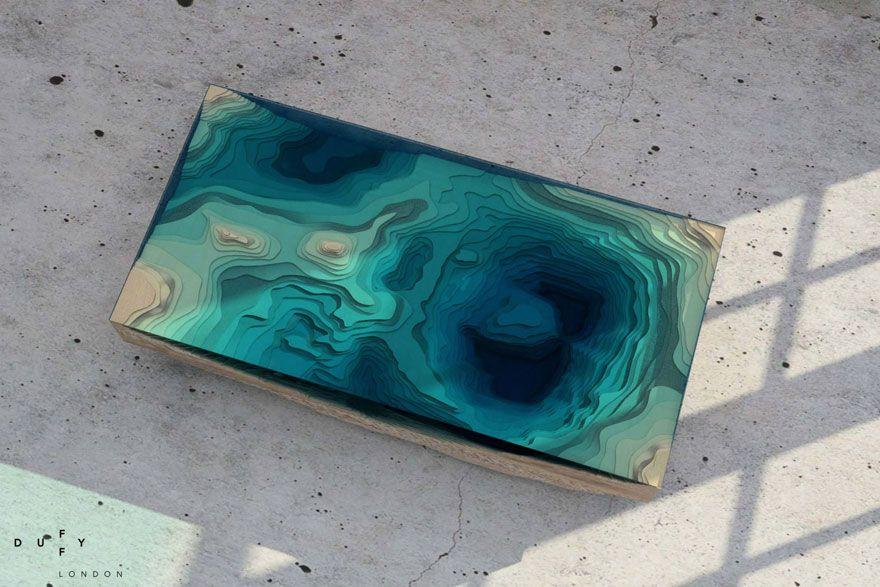 nádherný stôl , ktorý nám pripomína vodnú hladinu
