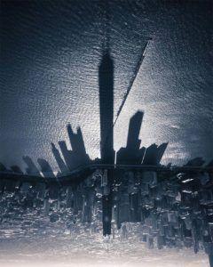 Tiene Chicagskej veže pri jazere Michigan od Nick Ulivieri