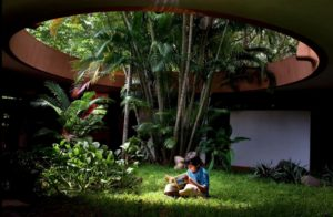 Auroville je mesto kde neexistuju peniaze a je nezavisle od vplyvu politiky a nabozenstiev