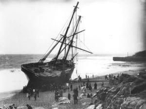 Fotografie stroskotanych lodi rodiny Gibsonovcov