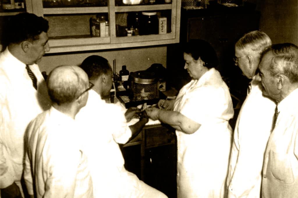 Rene Caisse a Essiac ako revolucny liek na liecbu rakoviny