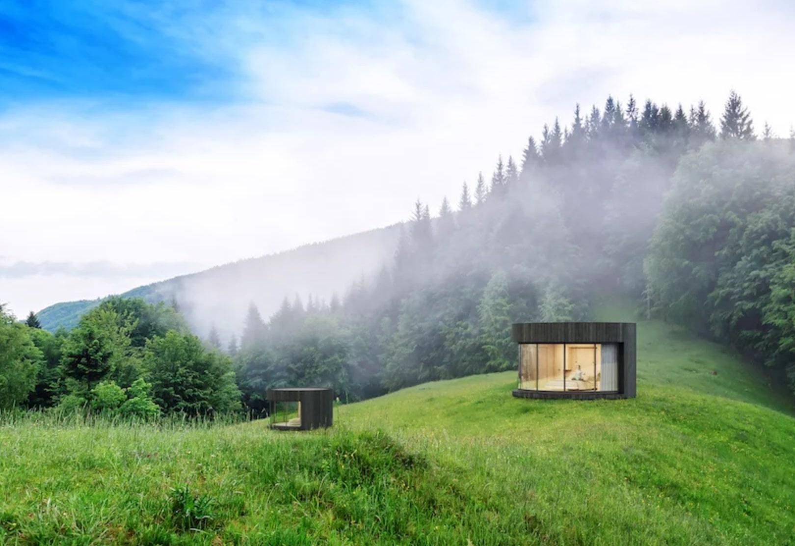 Dizajnérsky skvost v podobe kruhovej chatky uprostred nádhernej prírody